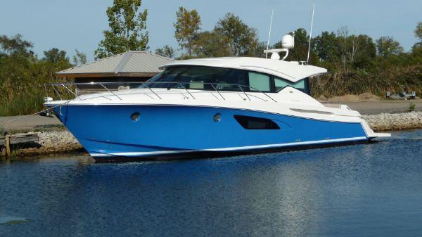 Tiara Yachts 50 Coupe
