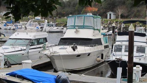 Silverton Aft Cabin Motor Yacht