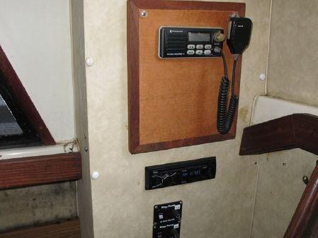Silverton Aft Cabin Motor Yacht image