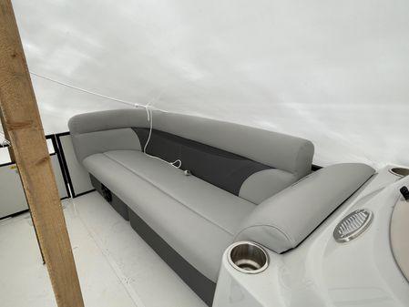 Hurricane Fun Deck 236SB image