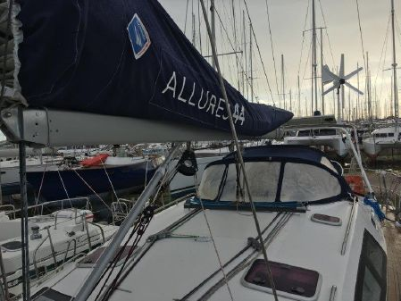 Allures 44 image