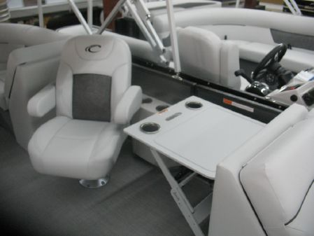 Crest Classic LX 220 SLC Tri Toon. image