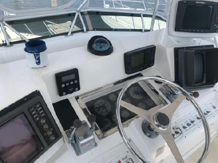 Cabo 35 Flybridge Sportfisher image