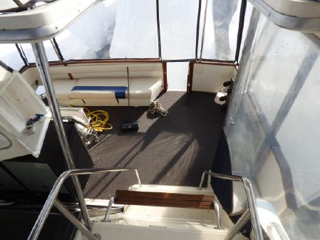 Sea Ray 410 Aft Cabin image