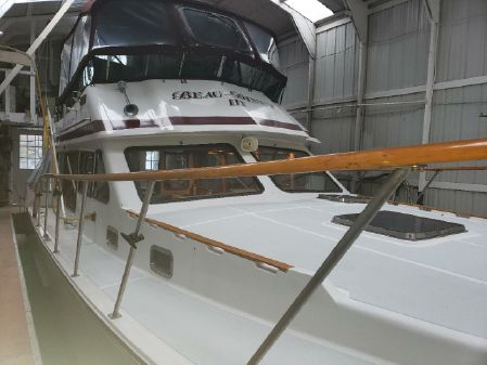 Bluewater Yachts Ultimate 42 image