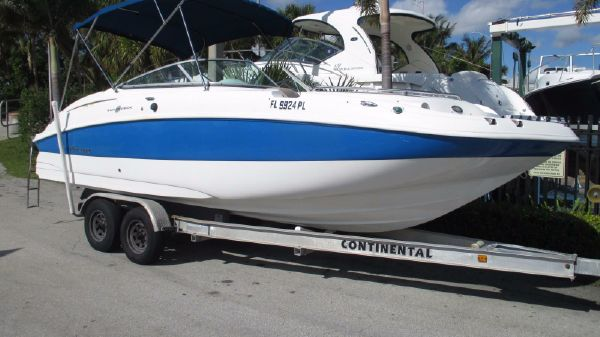 Hurricane 24 Deck Boat