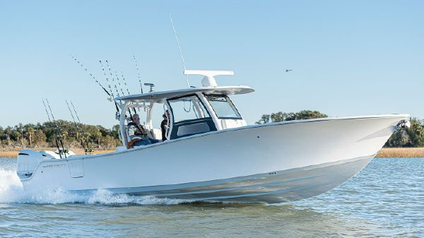 Sportsman Open 352 Center Console