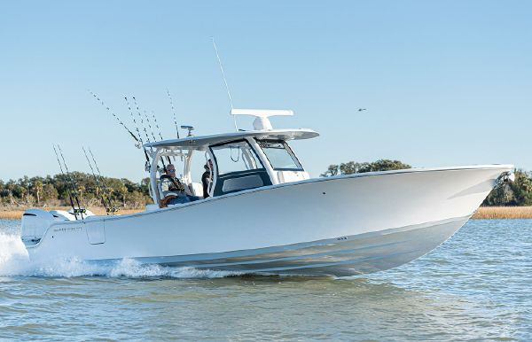 2020 Sportsman Open 352 Center Console