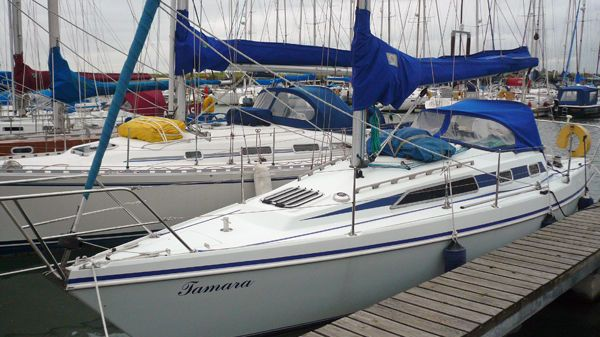 Hunter Horizon 30 Afloat