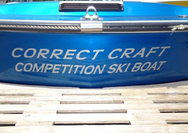 Correct Craft Ski Nautique 2001 image
