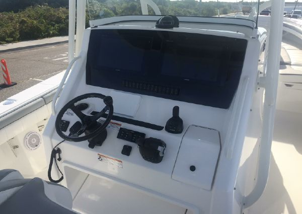 Regulator 34 Center Console image