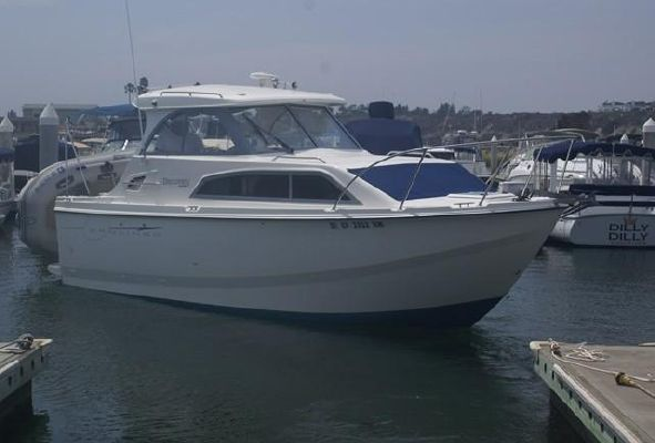 Bayliner 246 Discovery - main image