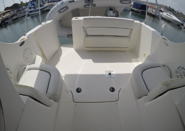 Bayliner 246 Discovery image