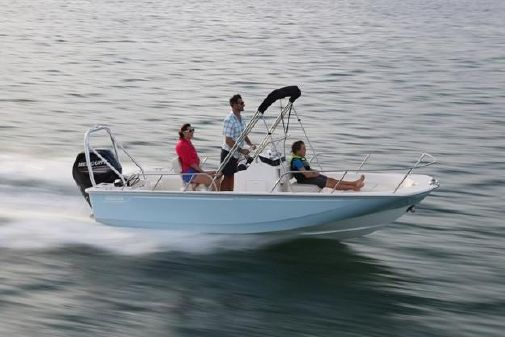 Boston Whaler 170 Montauk image