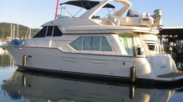 Bayliner / Meridian Pilothouse Motoryacht Photo 1