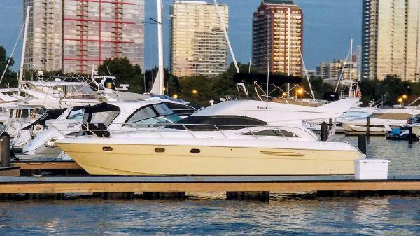 Viking Sport Cruisers 52 FLY