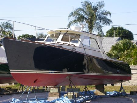 Hinckley Picnic Boat EP image