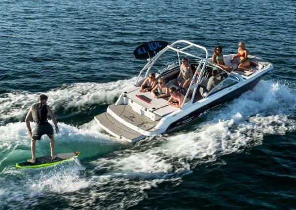 Four Winns HD2 RS Surf image