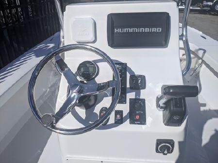 Piranha F2000 image