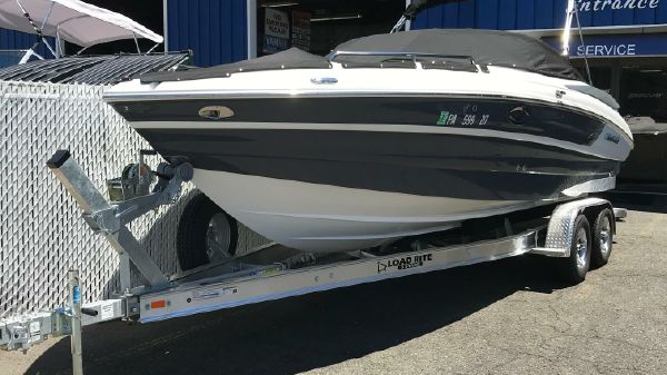 Cruisers Sport Series 258 Bow Rider
