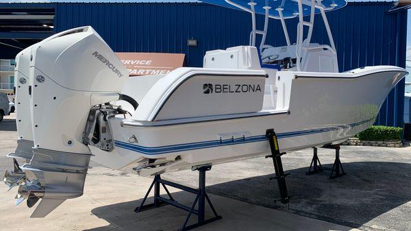 Belzona 27 Center Console