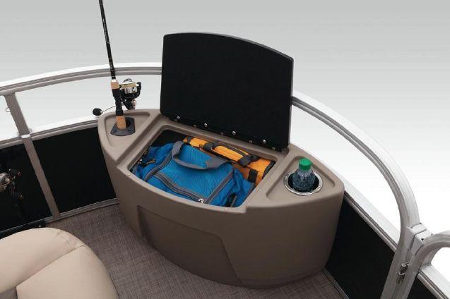 Sun Tracker Fishin' Barge 20 DLX image