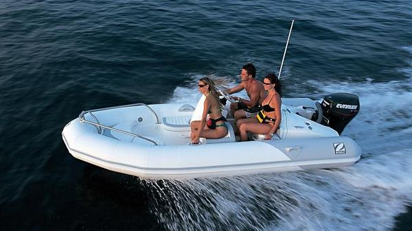 Zodiac Yachtline 420DL
