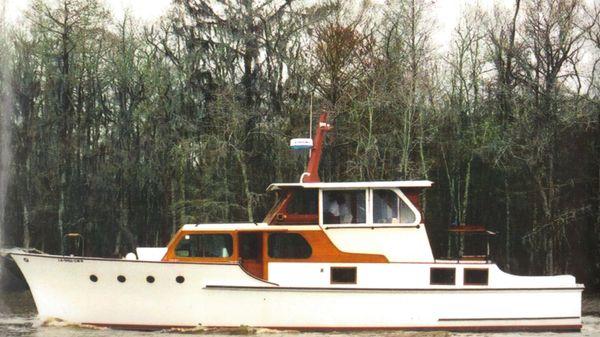 Custom Motor Yacht Wheeler Cabin Cruiser