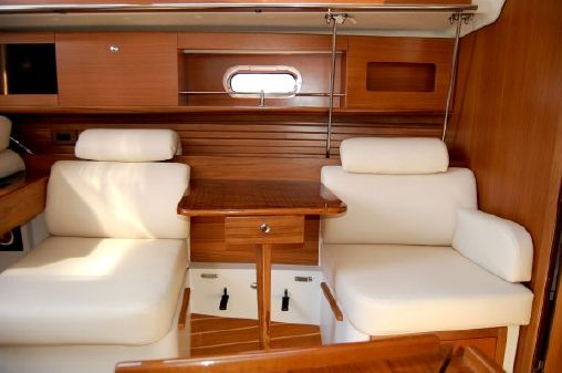 Catalina 355 In-Stock image