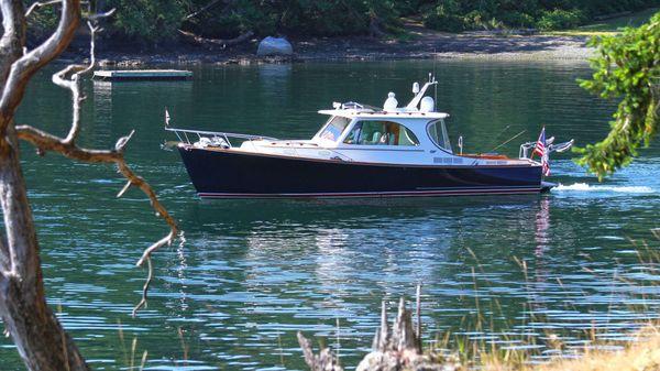 Hinckley Picnic Boat MKIII Queequeg
