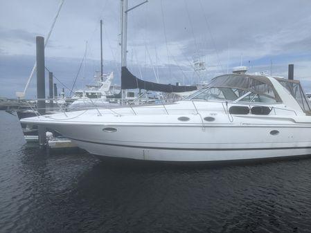 Cruisers Yachts 3870 image