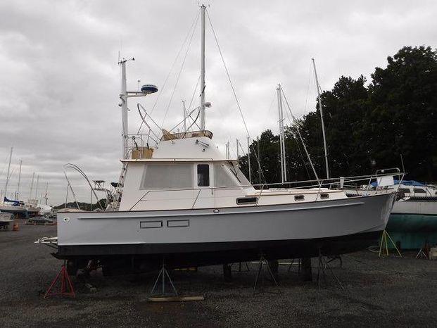 1997 Legacy Yachts 40 Sedan