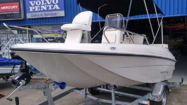 Bayliner CC5 Sports/Ski & Fish Bayliner CC5E c/w Mercury F80 Outboard Engine and Trailer