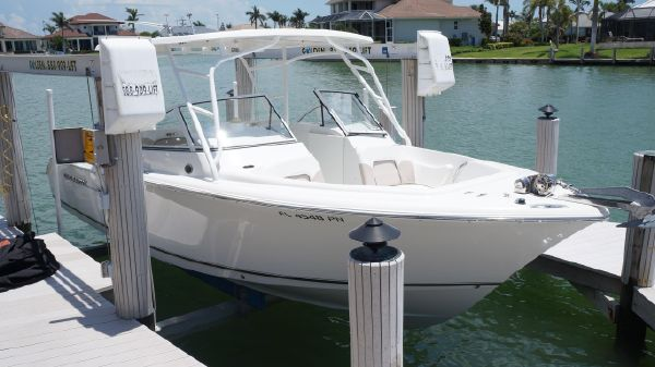 Sea Hunt Escape 250