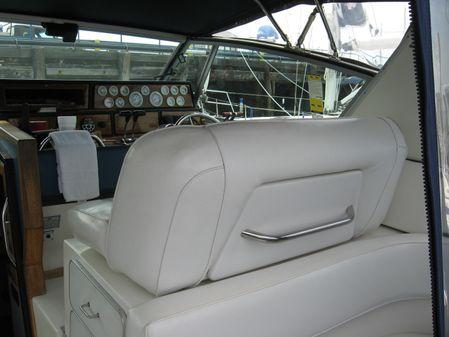 Sea Ray 390 Express image