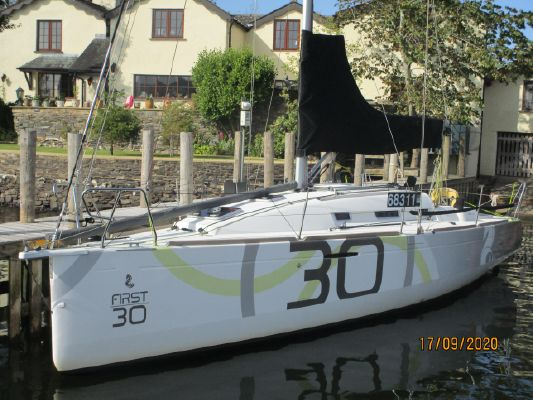 Beneteau First 30 - main image