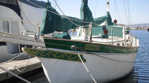 Ketch Newporter Pilothouse Ketch