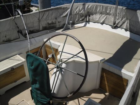 Ketch Newporter Pilothouse Ketch image