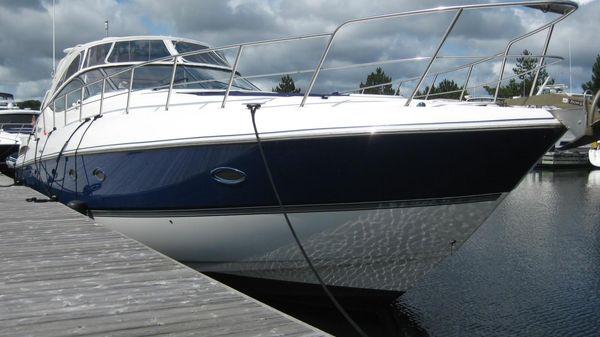 Cruisers Yachts 540 Express