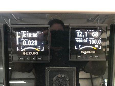 Robalo 300 Center Console image