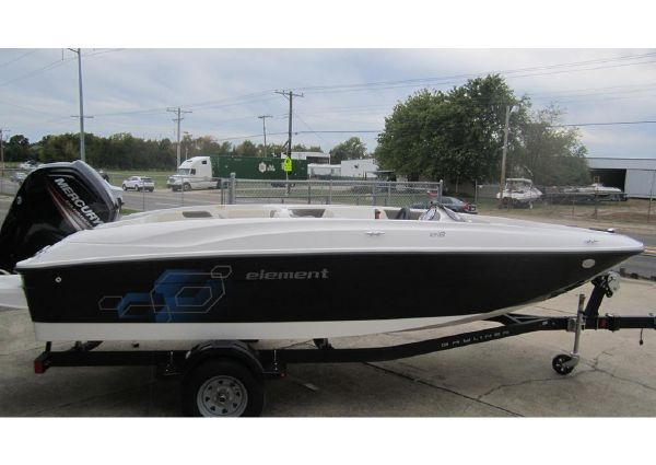 Bayliner Element E18 image