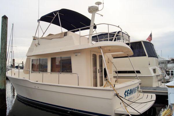 Mainship 34 Trawler - main image
