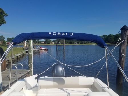 Robalo R227 Dual Console image