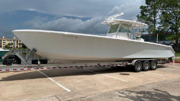 SeaHunter 40' Center Console