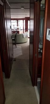 Skipperliner Houseboat image