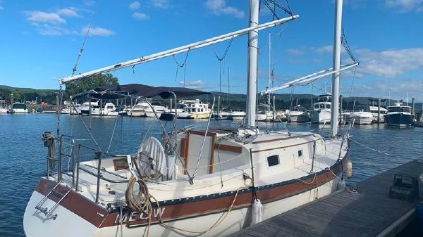 Offshore Yachts Cat Ketch 33