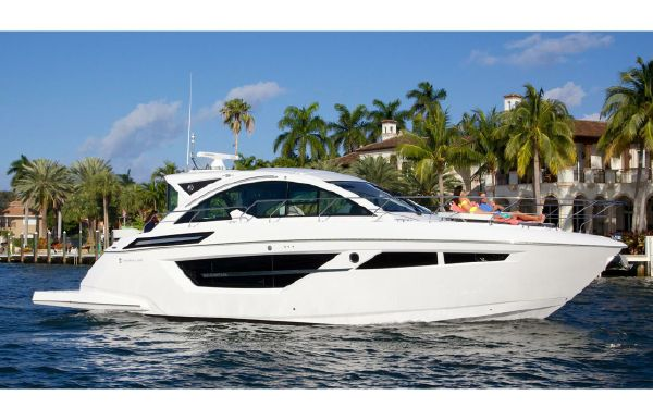2019 Cruisers Yachts 50 Cantius