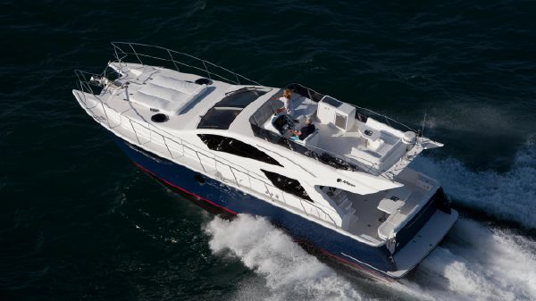 Mares 45 Motor Yacht