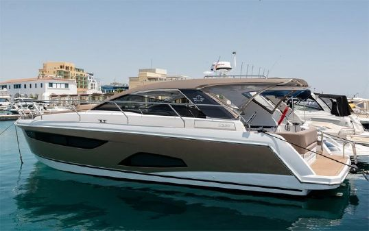 Sealine 330 Sport Coupe image
