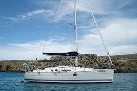 Jeanneau Sun Odyssey 32 At  anchor  - sister ship